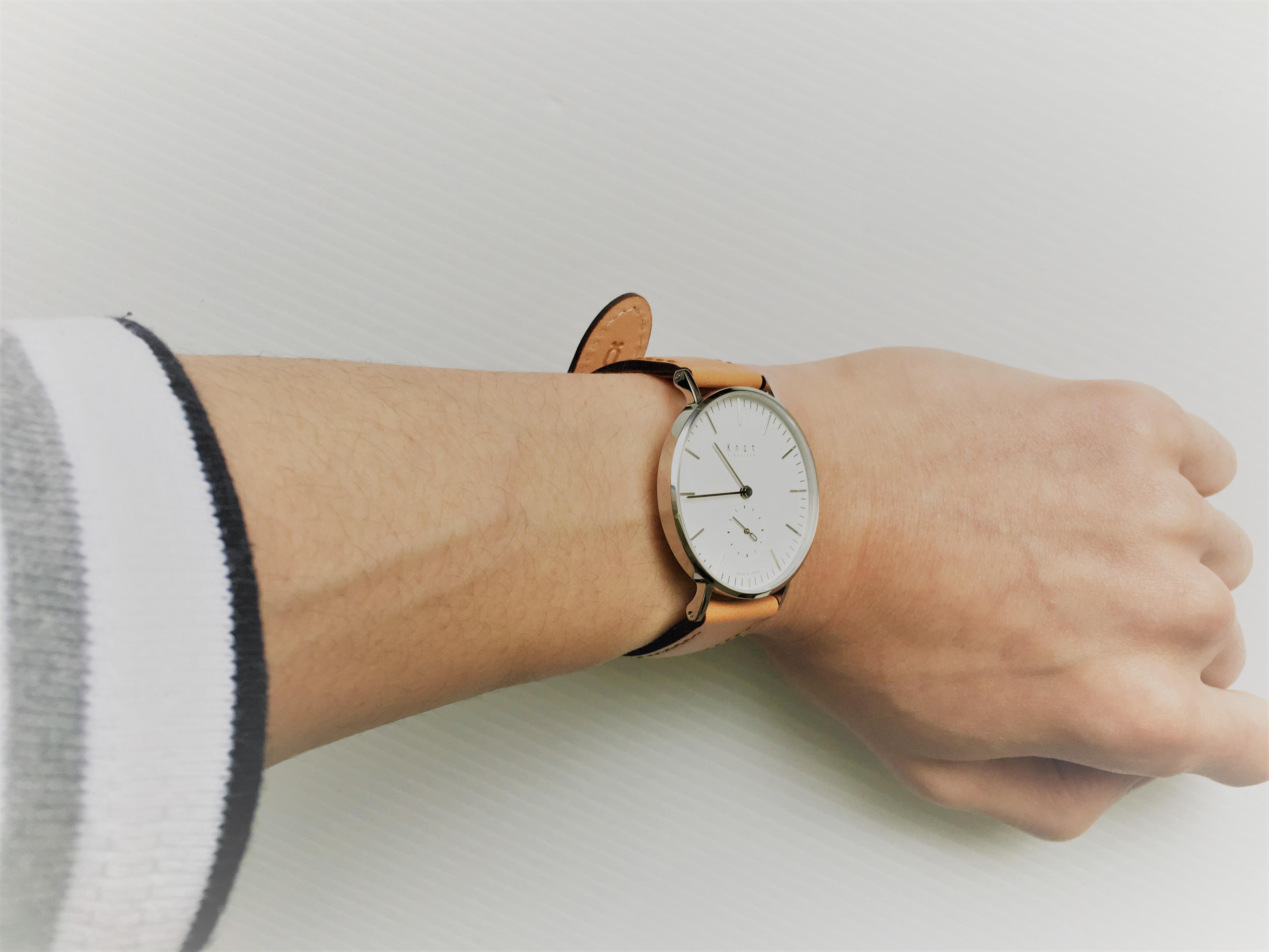 ミニマリストの強い味方になるか? knot(ノット)の国産腕時計「スモールセコンド」買ってみた。