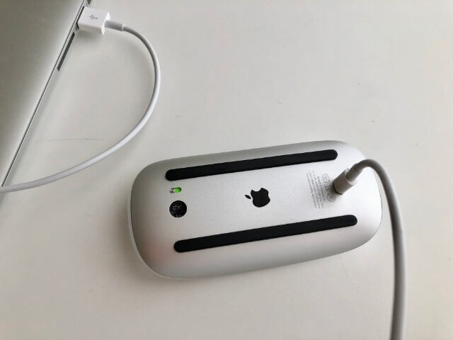 マジックマウス 2充電中不便