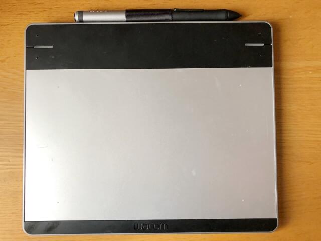 wacomのintuos(CTL-480)というペンタブレット