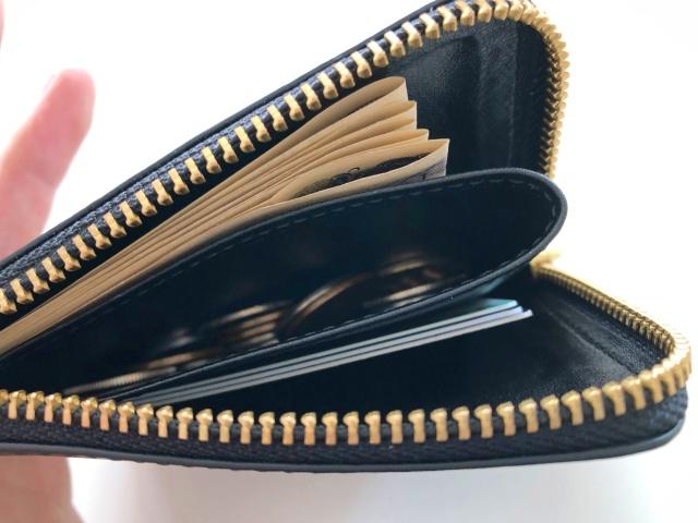 コムデギャルソンのL字ジップ財布の使い方
